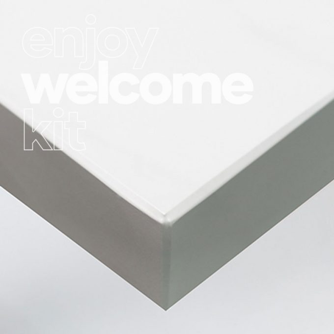 Textured conformable self-adhesive covering Mat White Marble for your Welcome Kit